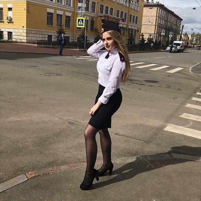 Stunning nylon woman